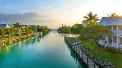 resort-4000x1400-canal-01